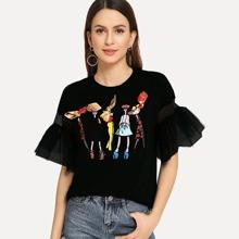 Camiseta con volantes en las mangas y dibujos