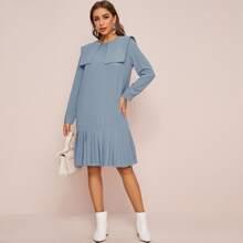 Kleid mit Puppe Kragen, Knopfen vorn und Falten