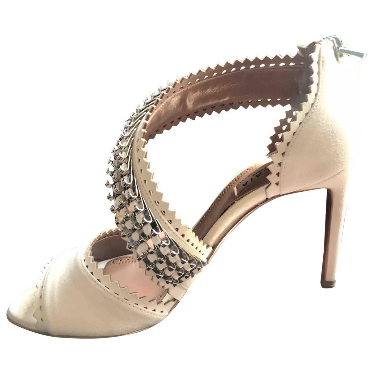 Alaïa \N White Leather Heels for Women 35 EU