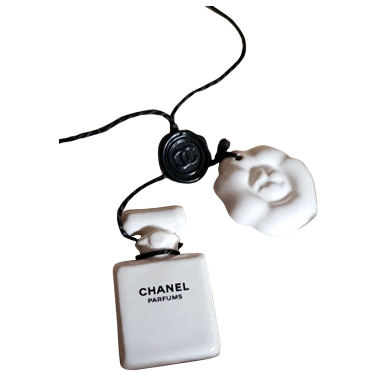Chanel Camelia Taschenschmuck in  Weiss Keramik