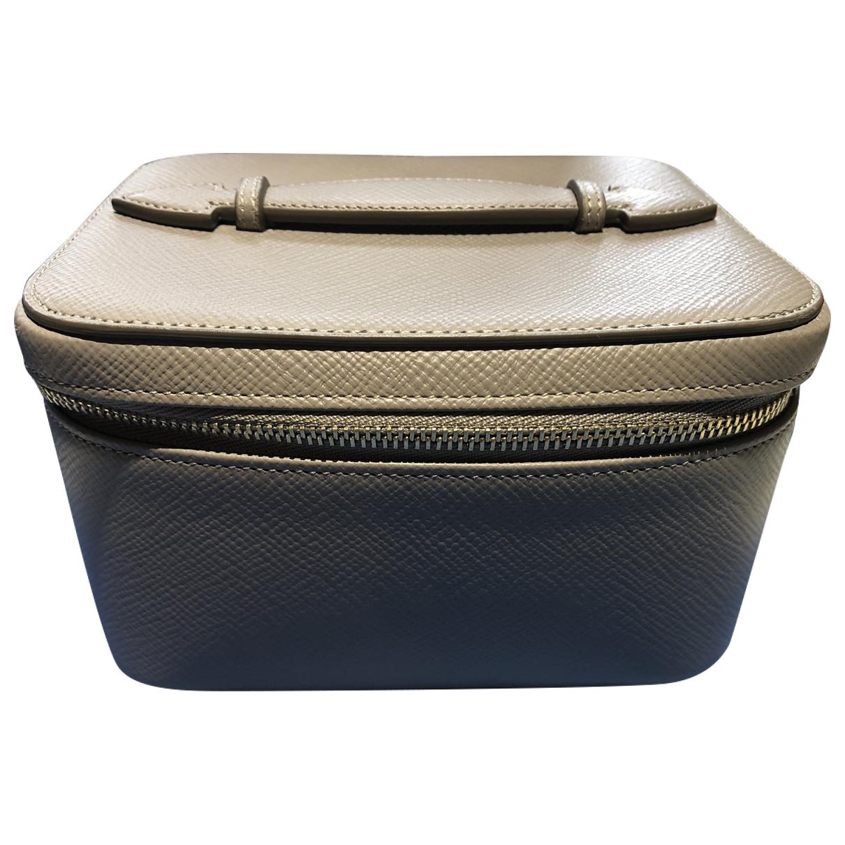 Smythson \N Beige Leather Travel bag for Women \N
