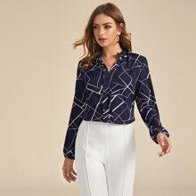 Bluse mit eingekerbtem Kragen und Geometrie Muster