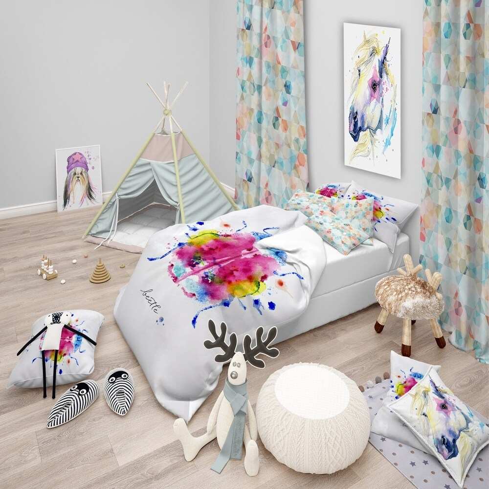 Designart 'Monotype color beetle' Animals Bedding Set - Duvet Cover & Shams (2 Piece - Twin Cover + 1 sham (comforter not included))