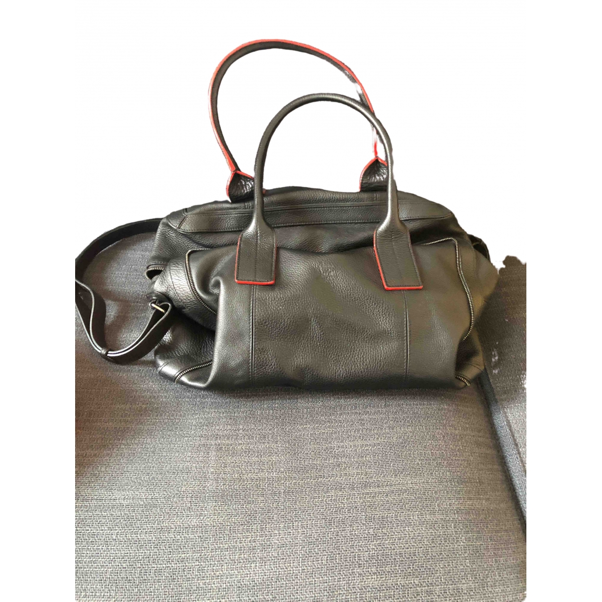 Christian Louboutin \N Taschen in  Schwarz Leder