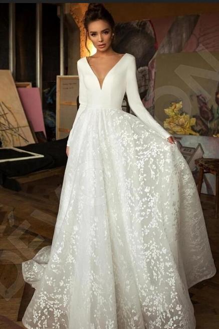 Elegante encaje nupcial una linea de cuello en V manga larga vestidos de novia