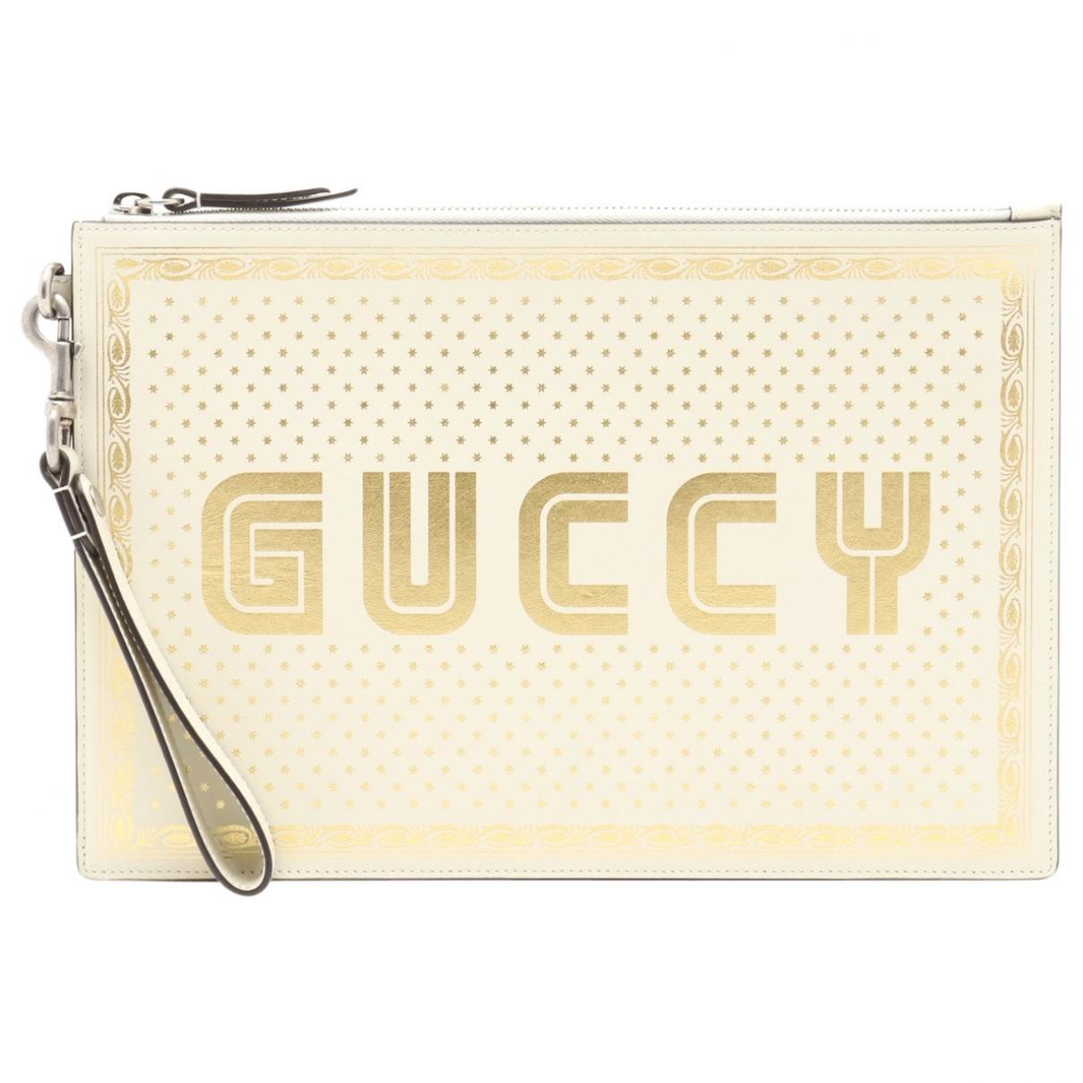 Gucci \N Clutch in  Weiss Leder