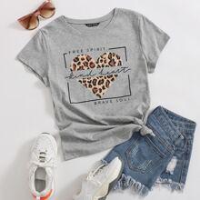 T-Shirt mit Leopard & Herzen Muster