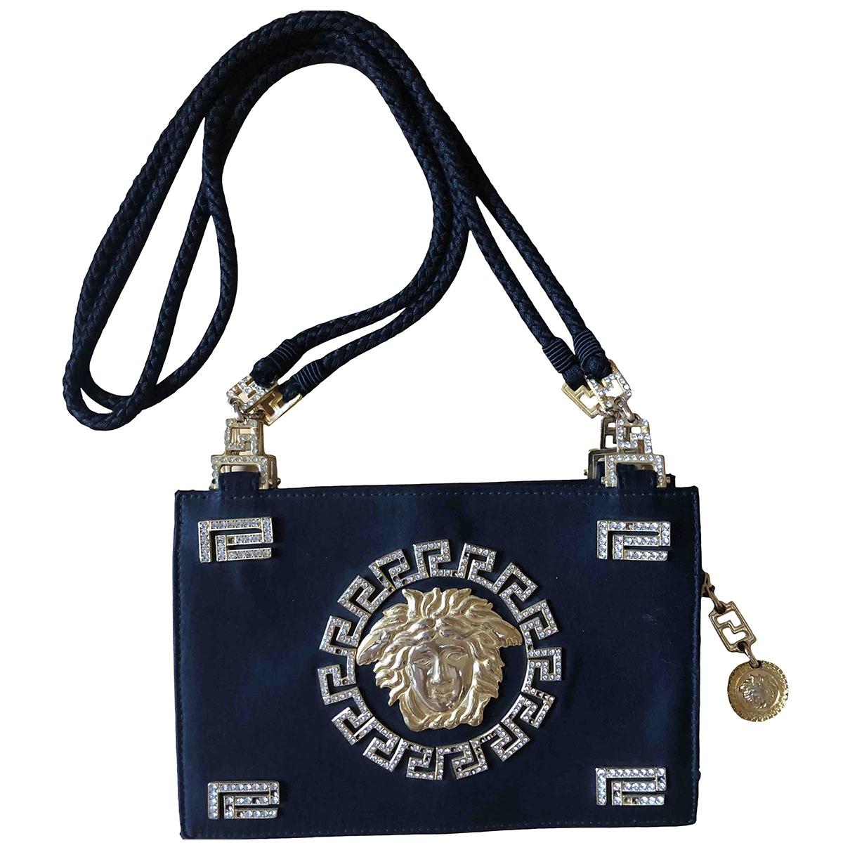 Gianni Versace \N Handtasche in  Schwarz Seide
