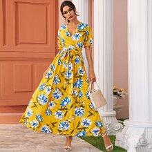 Maxi Kleid mit V Kragen vorn und Guertel