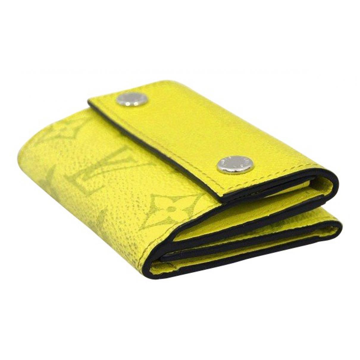 Louis Vuitton \N Portemonnaie in  Gelb Leinen