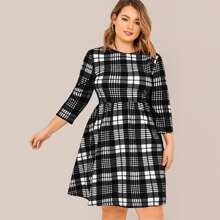 Plus Round Neck Plaid Dress