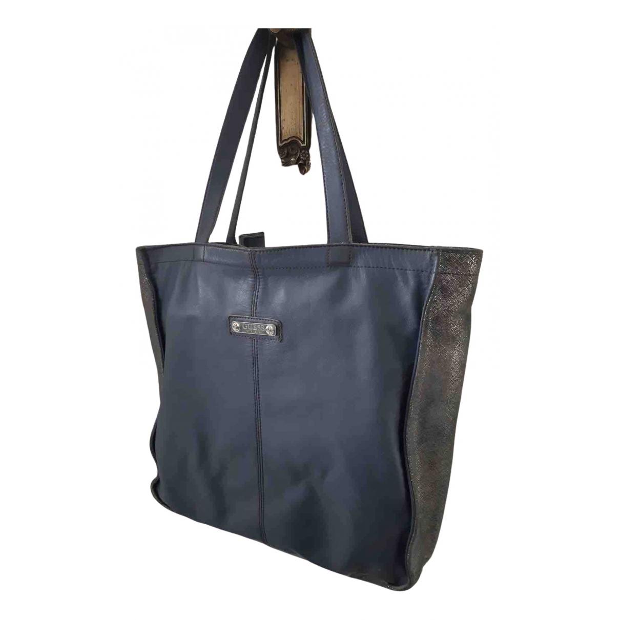 Guess \N Handtasche in  Grau Leder