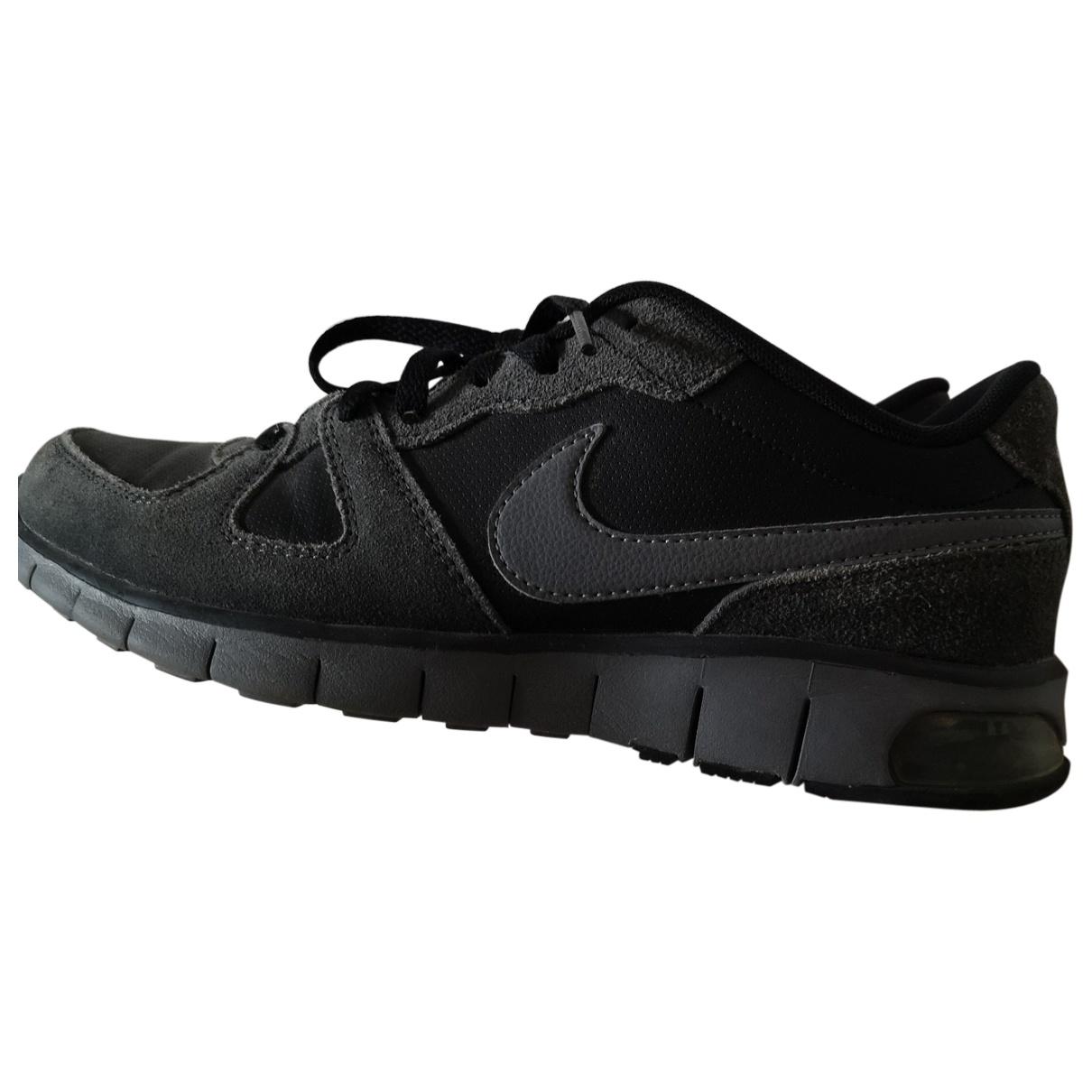 Nike - Baskets   pour femme en suede - noir