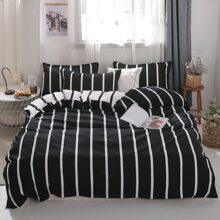 Set de cama con patron de rayas sin relleno