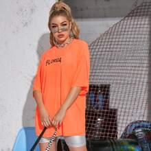Neon Orange Langes T-Shirt mit Buchstaben Grafik