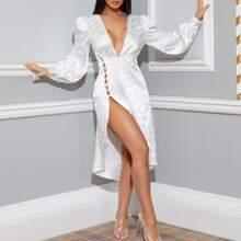 Jacquard Kleid mit tiefem Kragen, Schlitz und asymmetrischem Saum