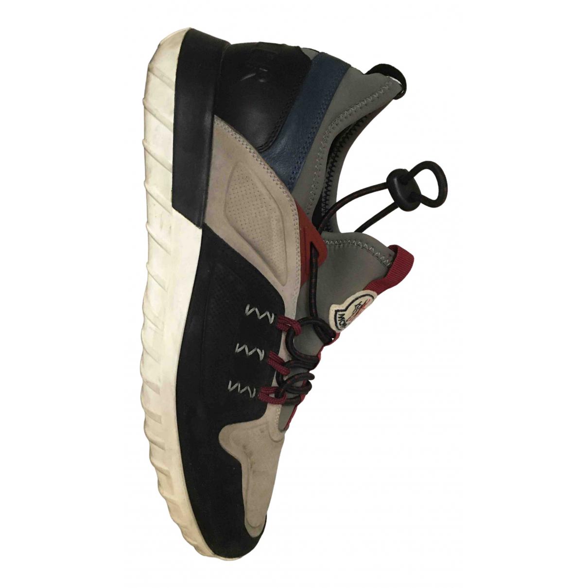 Moncler \N Sneakers in Veloursleder