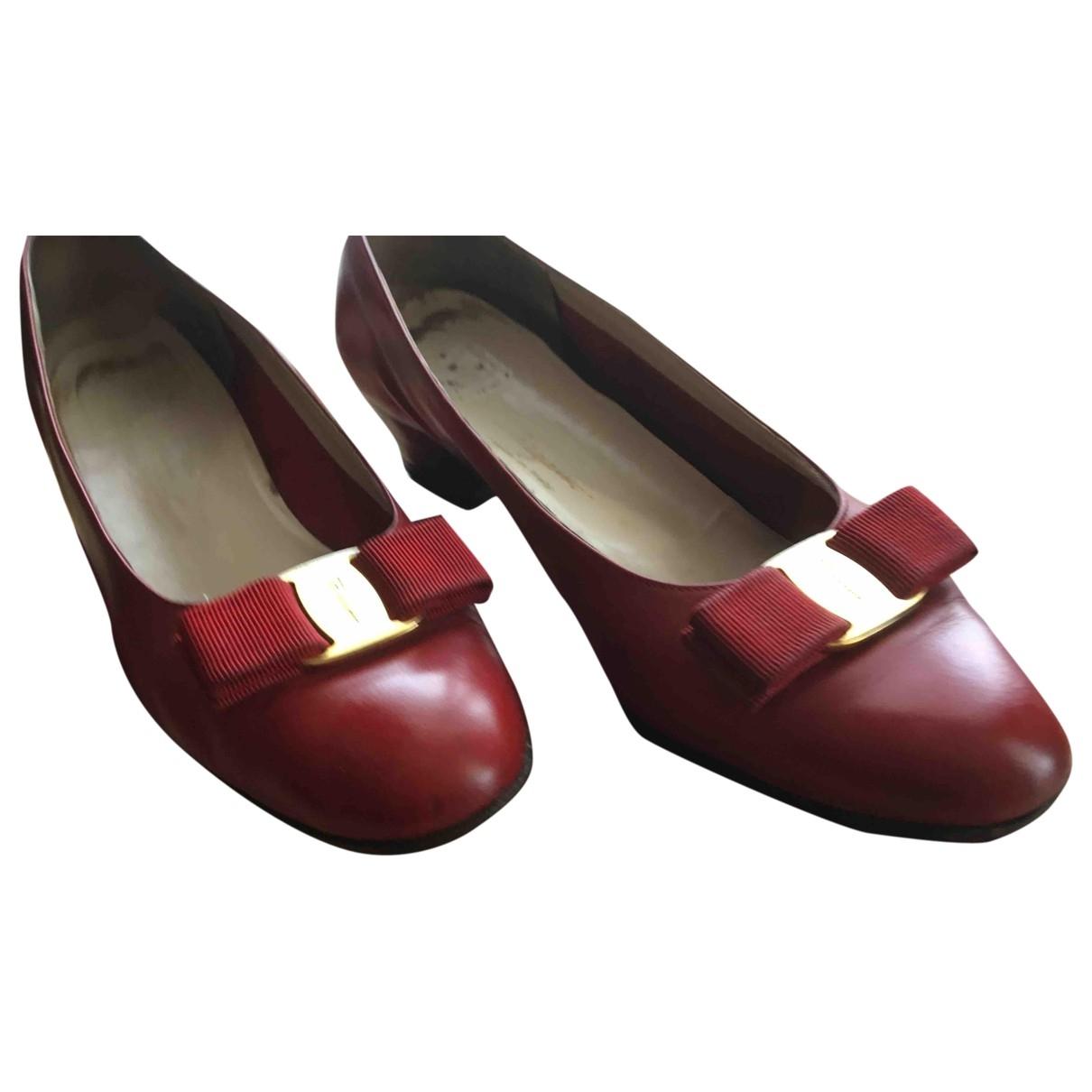 Salvatore Ferragamo - Escarpins   pour femme en cuir - rouge