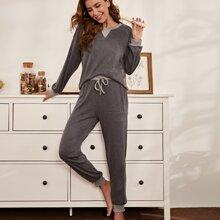 Schlafanzug Set mit Kontrast Einsatz und Kordelzug um die Taille
