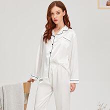 Conjunto de pijama de saten en contraste