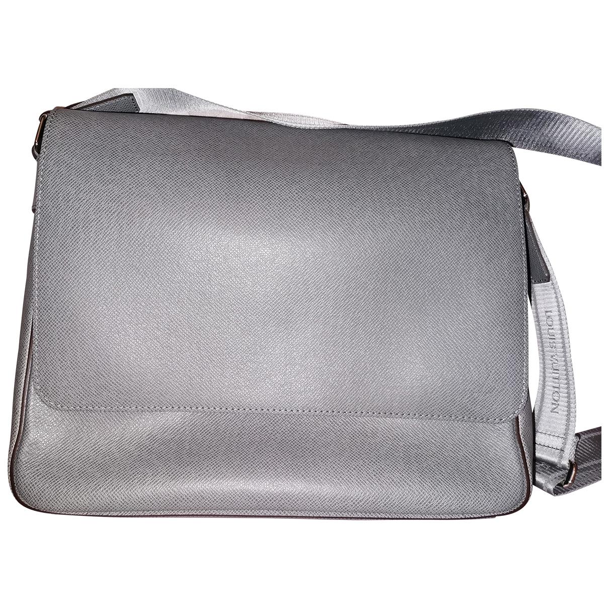 Louis Vuitton - Sac Roman pour homme en cuir - gris
