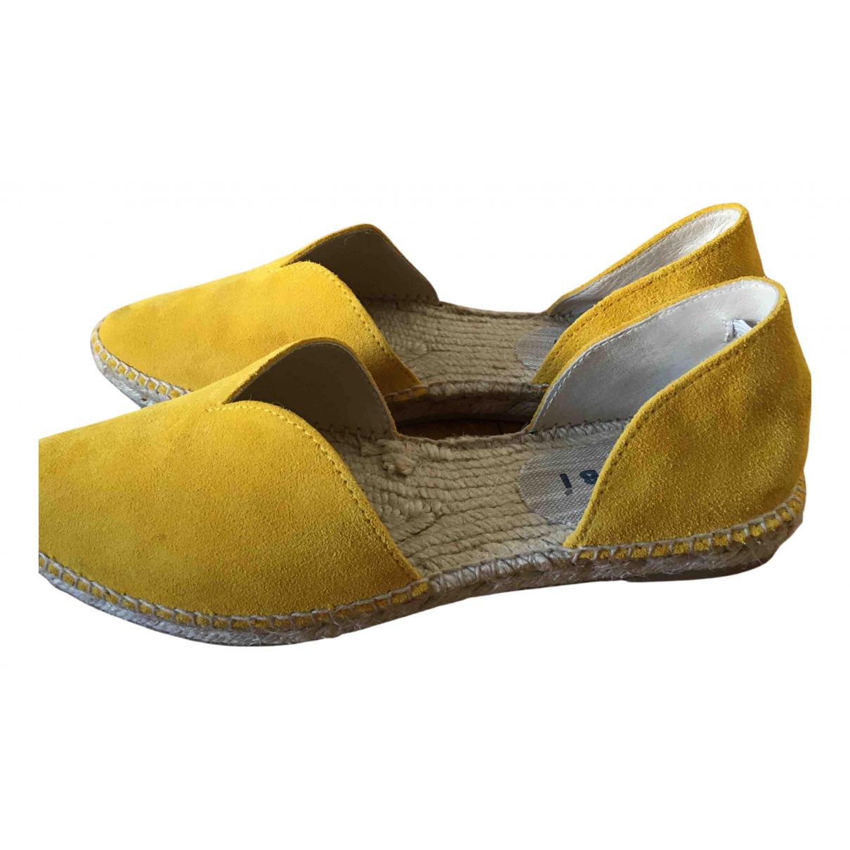 Manebi \N Espadrilles in  Gelb Veloursleder