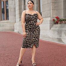 Vestido de tirantes de espalda abierta con tiras cruzadas de leopardo