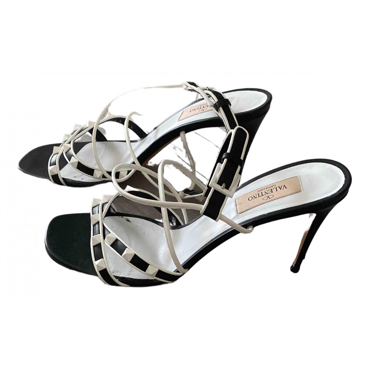 Valentino Garavani Rockstud Black Leather Sandals for Women 39.5 EU