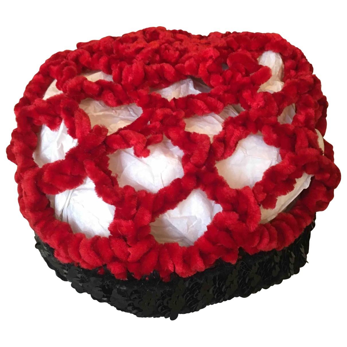 - Chapeau   pour femme en autre - rouge