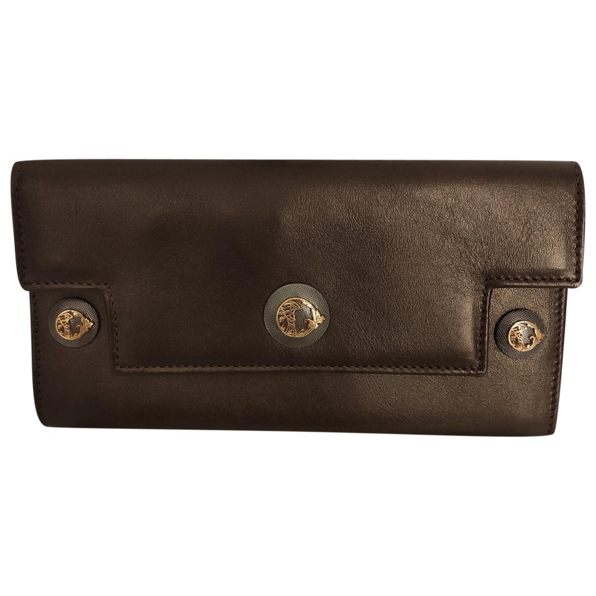 Versace \N Portemonnaie in  Braun Leder