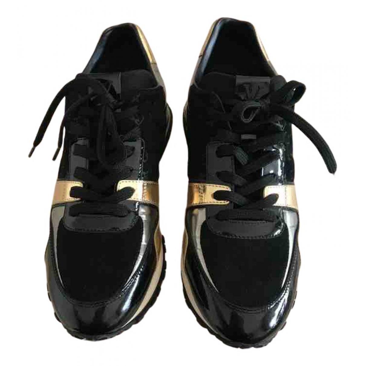 Louis Vuitton Run Away Sneakers in  Schwarz Leder