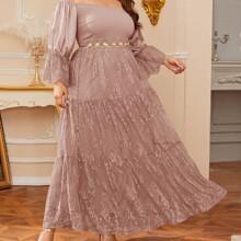 Schulterfreies Kleid mit Schosschenaermeln, Spitze ohne Guertel