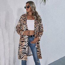 Abrigo de cuello con solapa de rayas de tigre