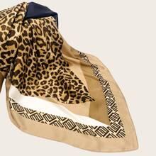Pañuelo patron de leopardo