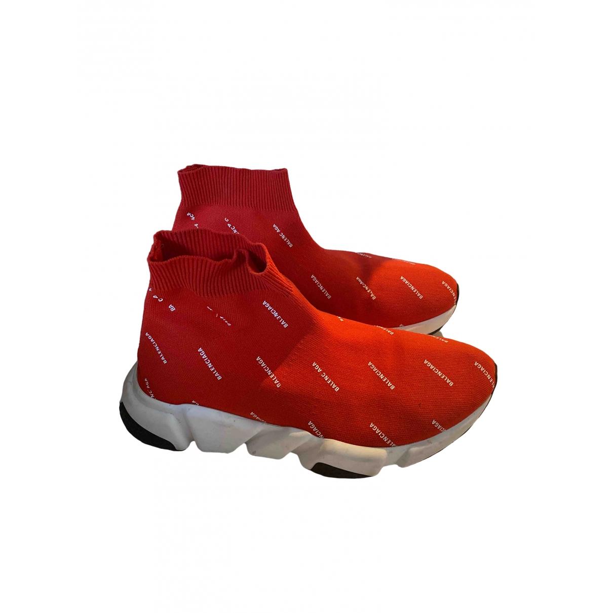 Balenciaga \N Sneakers in  Rot Leinen