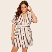 Kleid mit tiefem V Ausschnitt und Streifen