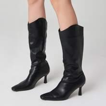Minimalistischer Stiefel