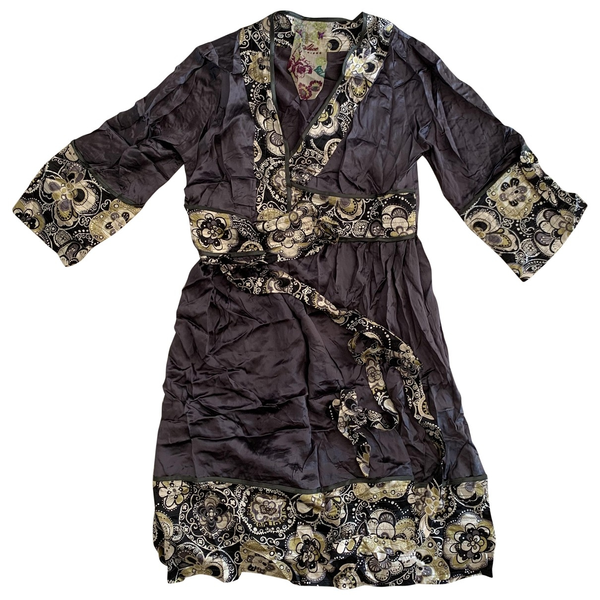 Non Signe / Unsigned \N Kleid in  Grau Seide