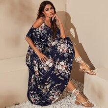 Schulterfreies Kleid mit Schosschen und Blumen