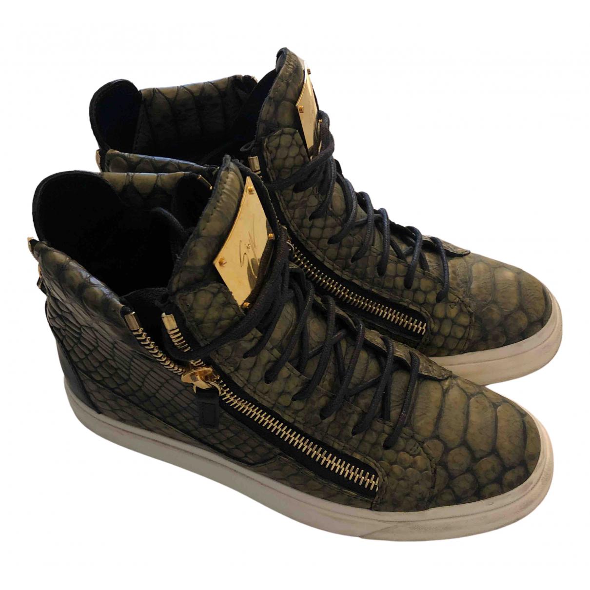 Giuseppe Zanotti \N Sneakers in  Gruen Leder