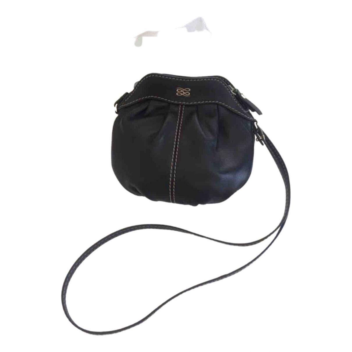 Lancel Gousset Black Leather handbag for Women \N