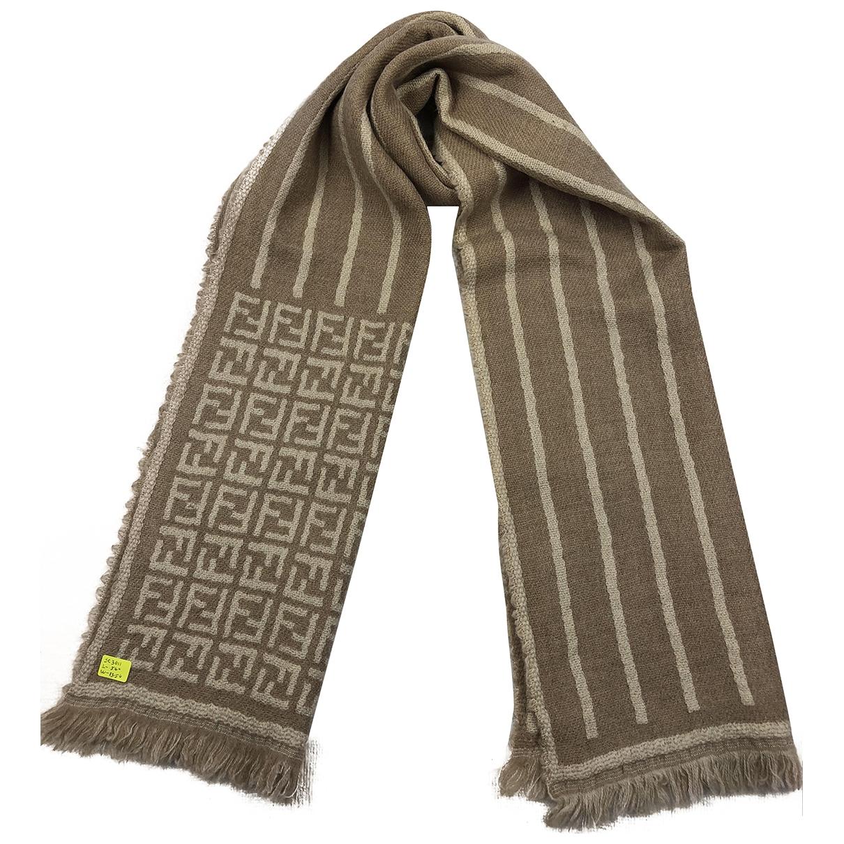 Fendi \N Gold Wool scarf for Women \N