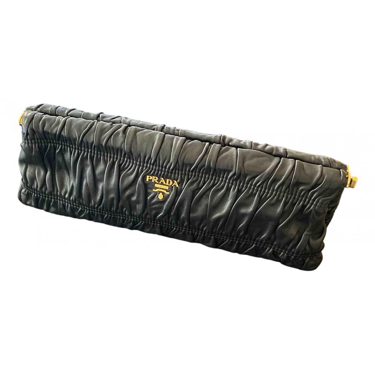 Prada N Black Leather Clutch bag for Women N
