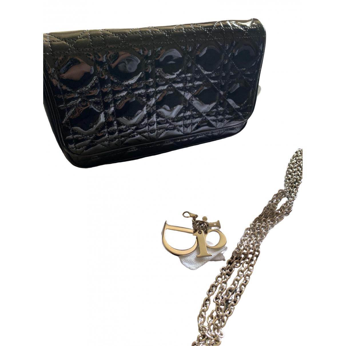 Dior Lady Dior Clutch in  Schwarz Lackleder