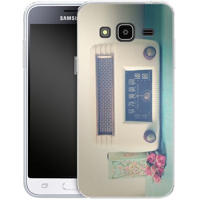 Samsung Galaxy J3 (2016) Silikon Handyhuelle - Retro Radio von Joy StClaire