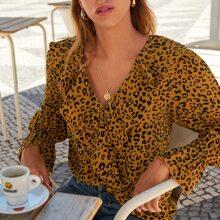 Bluse mit komplettem Muster, Rueschen und Schosschenaermeln