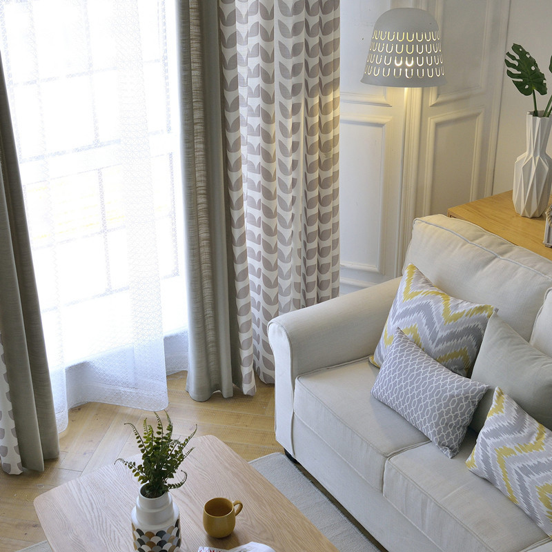 European Style Polyester Material Heat Insulation Feature Curtain Sets
