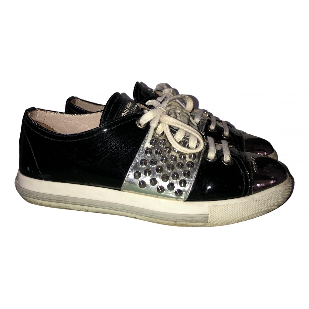 Miu Miu \N Sneakers in  Schwarz Lackleder