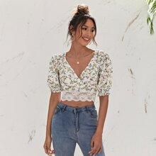 Crop Bluse mit Blumen Muster, V Kragen, Kontrast Spitzen und Bogenkante