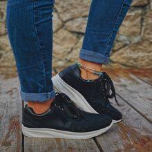 Sneakers mit Strass, Nieten und Band vorn